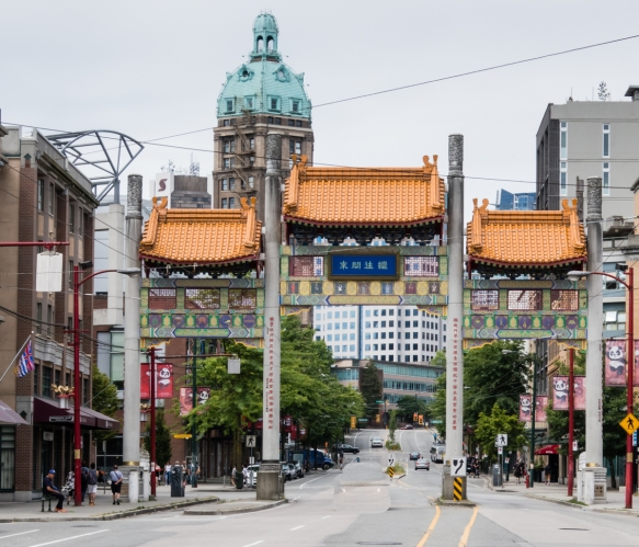 Inaugurated by Canadian Prime Minister Jean Chrétien in 2002, Chinatown's towering entrance is a popular landmark, with an elaborately painted section topped with a terra-cotta-tiled r