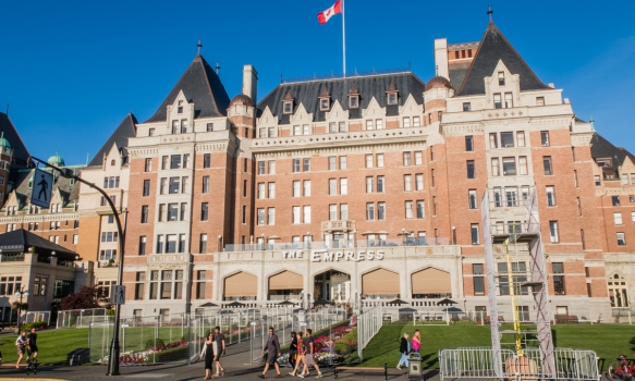 The Empress Hotel dates back to the steamship and railroad days of the early 1900s when it was built (1904 – 1908) by the Canadian Pacific Railroad Company as the terminus for the Cana