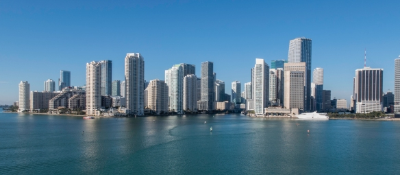 The downtown skyline fronting onto Biscayne Bay (I), Miami, Florida, USA