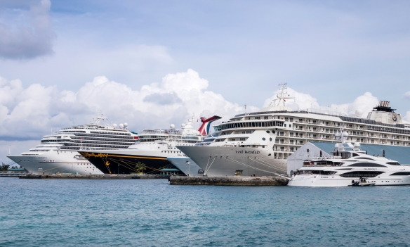 The pier in Nassau harbor is always full of cruise ships (from 9 a.m. to 6 p.m.), Nassau, Bahamas