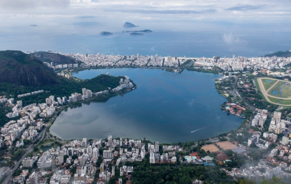 From left to right in the distance are Copacabana (just out of the field of view on the left), Ipanema and its beach, and the Jockey Club on the right; in the foreground are the Jardim B