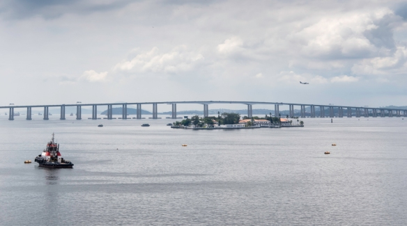 Ponte Presidente Costa e Silva (President Costa e Silva Bridge), completed in 1974, is the longest prestressed concrete bridge in the southern hemisphere and the sixth longest in the wor