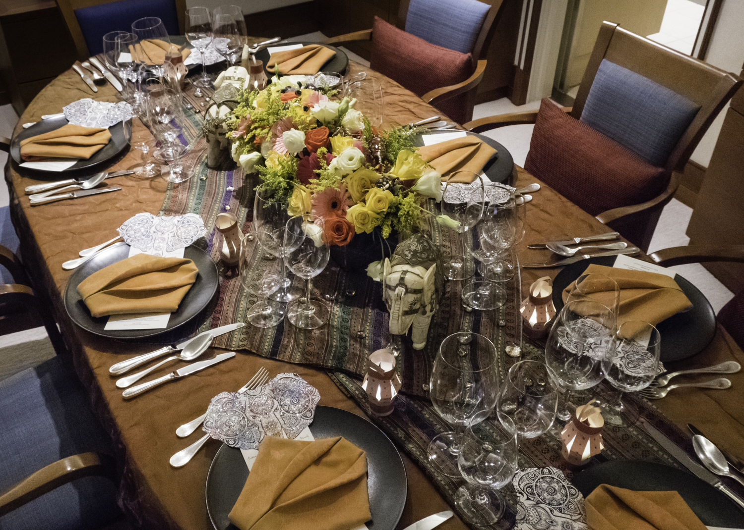 The table setting for an Indian dinner for friends on board our ship mid- & Eat local: Indian Dinner for Friends mid-Atlantic Ocean (crossing ...