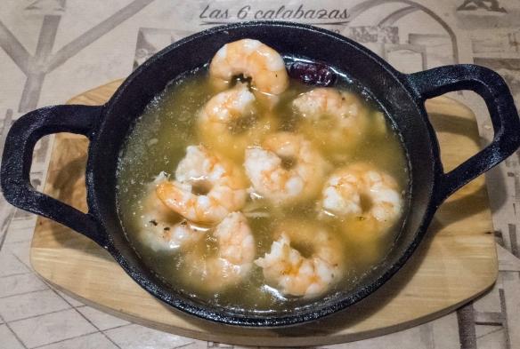Gambas al ajillo (prawns in garlic oil), Las 6 Calabazas (tapas), Las Palmas de Gran Canaria, Canary Islands