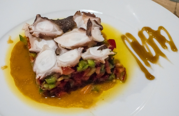 Grilled, sliced octopus on a salad of chopped bell peppers, Las 6 Calabazas (tapas), Las Palmas de Gran Canaria, Canary Islands