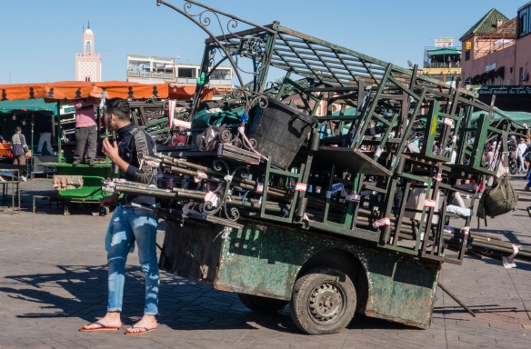 "It was hard to believe, even seeing it in person, that this cart – pulled by one (or a couple of) man – contains an entire ""restaurant"" that is set up daily in Jemaa el-Fnaa squa"