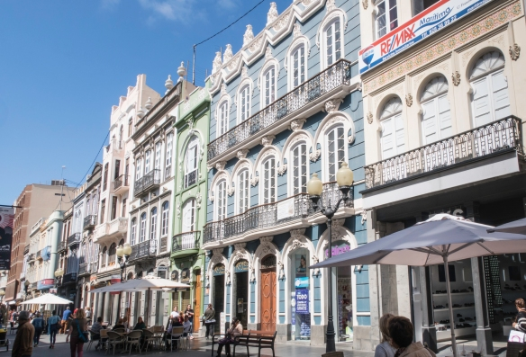 Old homes along Triana have had their ground floor spaces turned into trendy retail stores, Triana district, Las Palmas de Gran Canaria, Canary Islands
