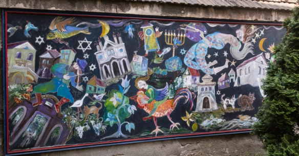 A mural outside the Popper Synagogue in Kazimierz (Jewish District), Kraków, Poland, created by Arthur Szyk (June 16, 1894 in Łodź, Poland – September 13, 1951, Canaan, CT, USA),