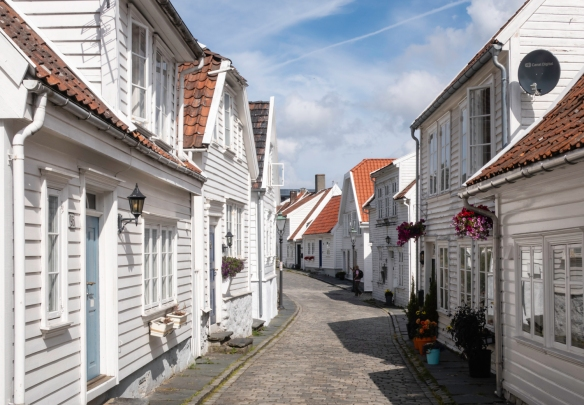 Along the cobblestone streets of the Gamle Stavanger (Old Stavanger) district are about 170 buildings (mostly private homes) from the late 18th century that are the best-preserved wooden