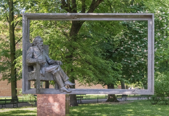 This monument pays homage to one of Poland's greatest painters, Jan Matejko, and one of Kraków's most beloved sons who was famous for his epic and outsized historical paintings
