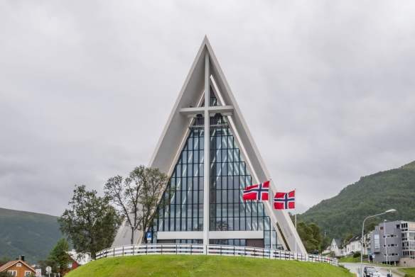 Ishavskatedralen (Arctic Cathedral) is a landmark city building that is frequently compared to the Opera House in Sydney and is characterized by its bright white and triangular architect