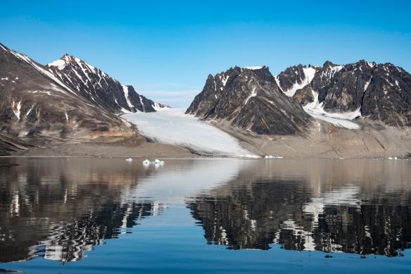 Smeerenburgfjorden, Amsterdamøya, Spitsbergen Island, Svalbard, photograph #8