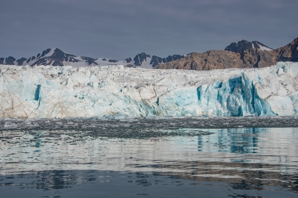 The front edge of the tidewater glacier at Juli Bukta, Lilliehöökfjorden, Spitsbergen, Svalbard