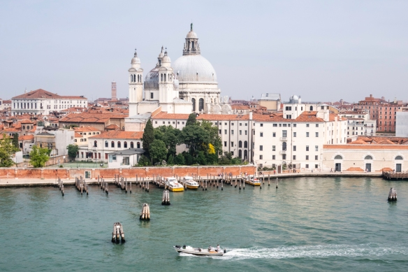 From the main shipping channel, you can_t notice the lack of streets in Venice, Italy; it_s only when you start walking around the city (or riding in water taxis or gondolas) that yo