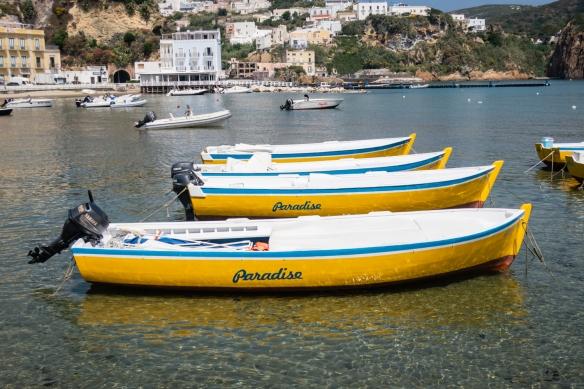 Local advertising that Ponza = PARADISE!