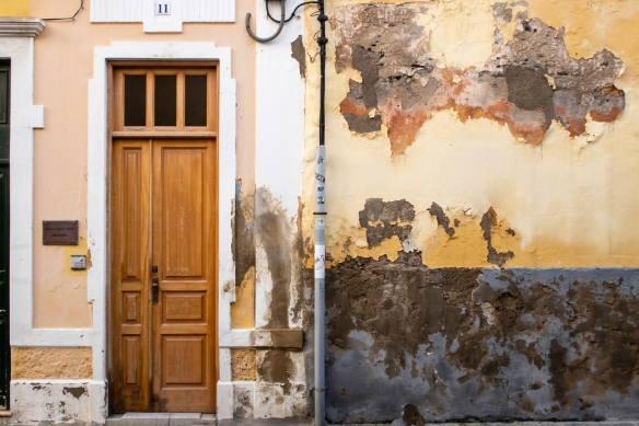 The weather-beaten facade of an old Spanish-style building in the historic Vegueta district, Las Palmas, Gran Cararia, Canary Islands