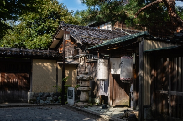 After our museum visit, we walked through the Naga-michi neighborhood with samurai residences from the 1600s (Edo period) that still evoke the lifestyle of the feudal period; Kanazawa, Honshu Island, Japan